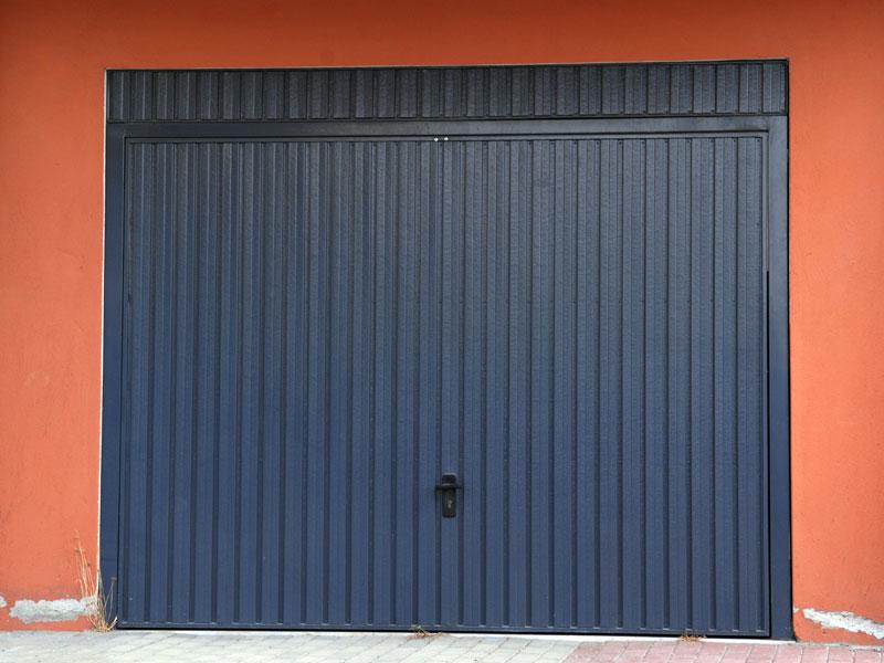 One piece garage doors glavas aluminum pvc systems for 1 piece garage door