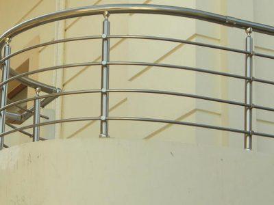 συστήματα αλουμινίου & pvc γκλαβάς - κάγκελο με μπάρες