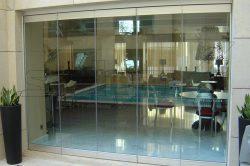 Γυάλινες Πτυσσόμενες Πόρτες F1 glavas aluminium pvc systems