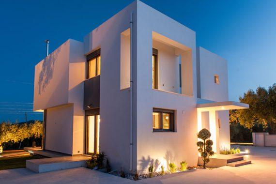 κατοικία με θερμομονωτικά κουφώματα αλουμινίου