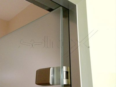 συστήματα αλουμινίου & pvc γκλαβάς - γυάλινη πόρτα με τετράγωνη κάσα